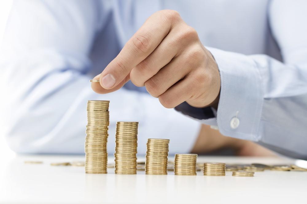 Qué relación existe entre reducir la factura de la luz para empresas y el final del bloqueo al crédito bancario