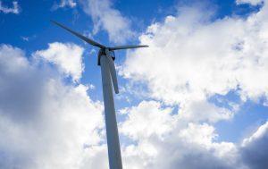 Cómo reducir la factura de la luz en Baleares con fuentes renovables.