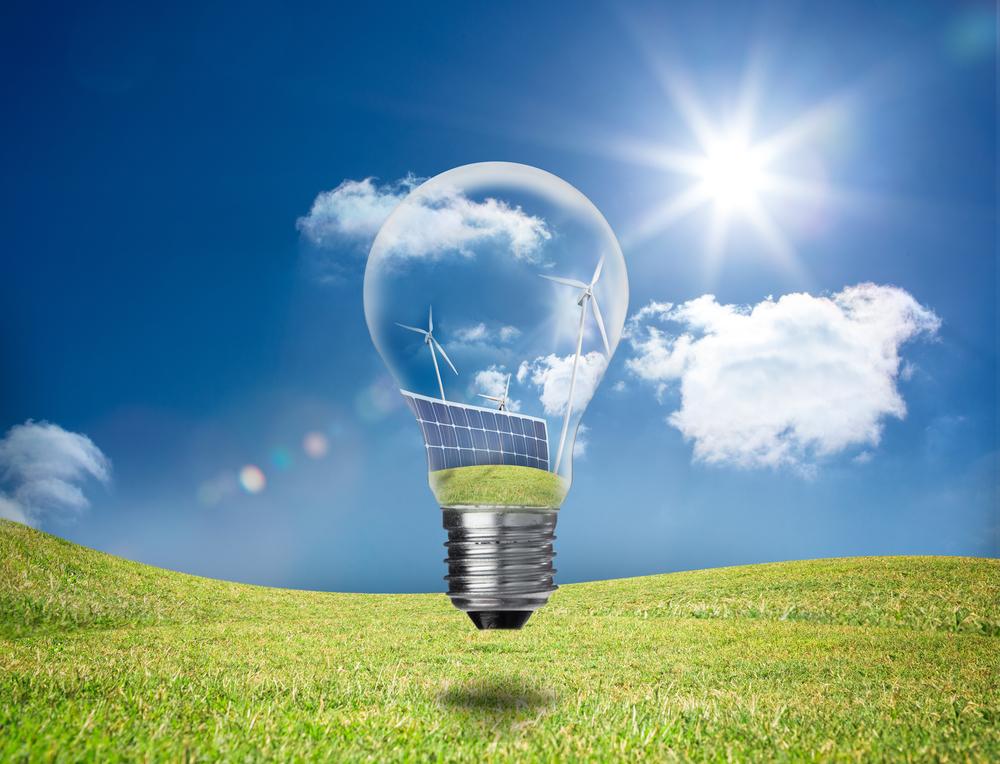 Una bombilla que muestra el uso de energías renovables.