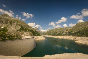 Un pantano con poca agua representa la sequía