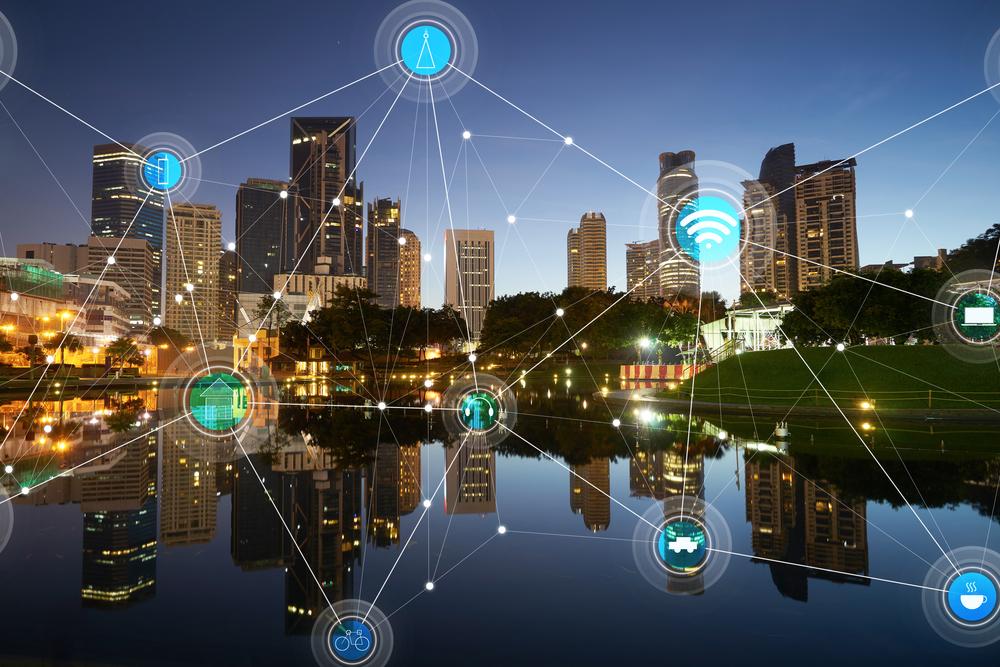 conexiones de una smart City del futuro y empresas de luz